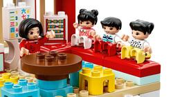 10943 LEGO DUPLO Town Mutlu Çocukluk Anıları - Thumbnail