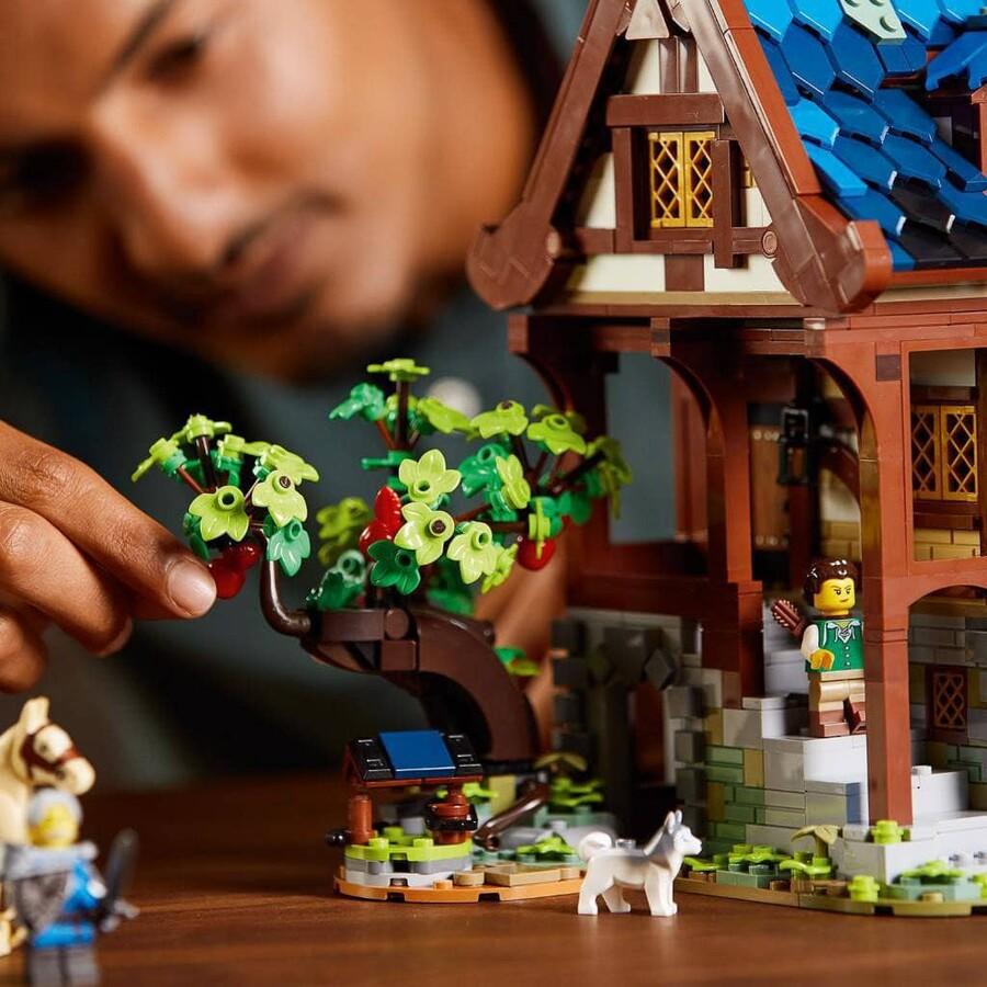 21325 LEGO Ideas Orta Çağ Demircisi