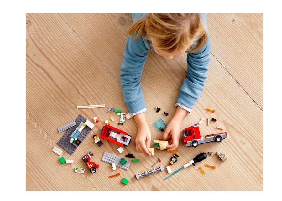 60214 LEGO City Hamburgerci Yangın Söndürme Operasyonu