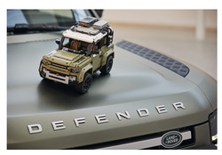 42110 LEGO Technic Land Rover Defender - Thumbnail