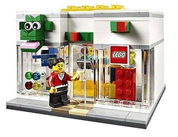 LEGO - 40145 Brand Retail Store