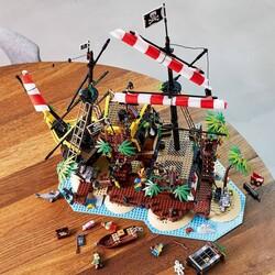 21322 LEGO Ideas Baraküda Körfezi Korsanları - Thumbnail