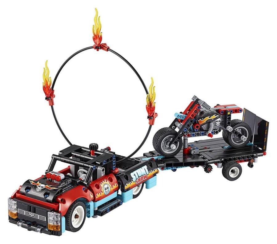42106 LEGO Technic Gösteri Kamyoneti ve Motosikleti
