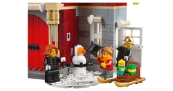 10263 Winter Village Fire Station - Thumbnail