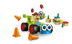 10766 Woody&RC - Thumbnail
